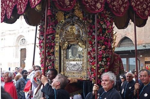 Madonna San Luca Bologna procession